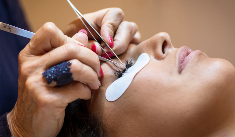 aer's Lash Bar: Our Eyelash Services And What We Offer