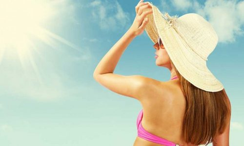 How to take care of your hair on holiday