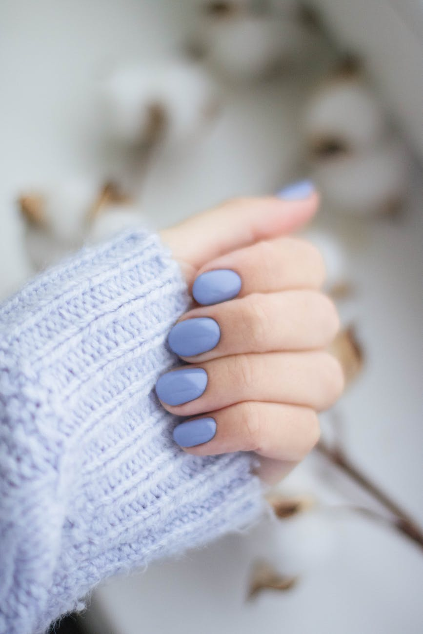 How to match nail colour with outfit
